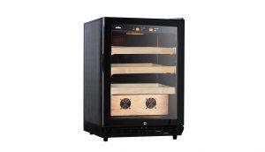 Tủ bảo quản xì gà chạy điện giúp bảo quản xì gà tối ưu cả về độ ẩm và nhiệt độ với số lượng lớn